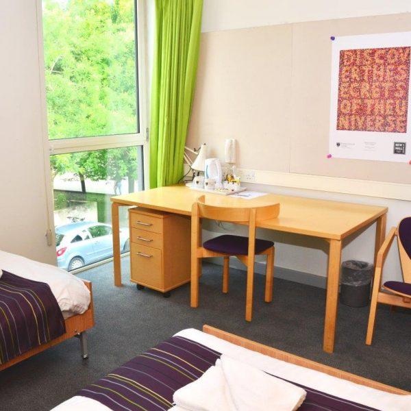 Cambridge College Accommodation Twin Bedroom En suite